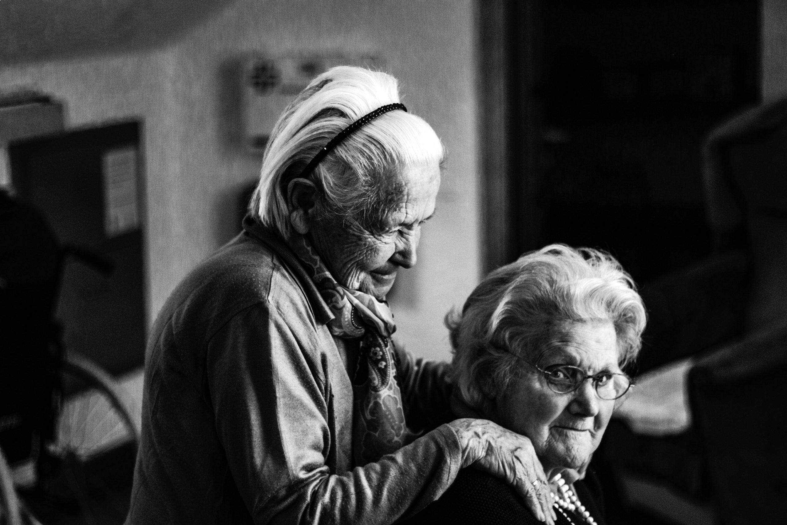 Oude mensen, oude waarden?